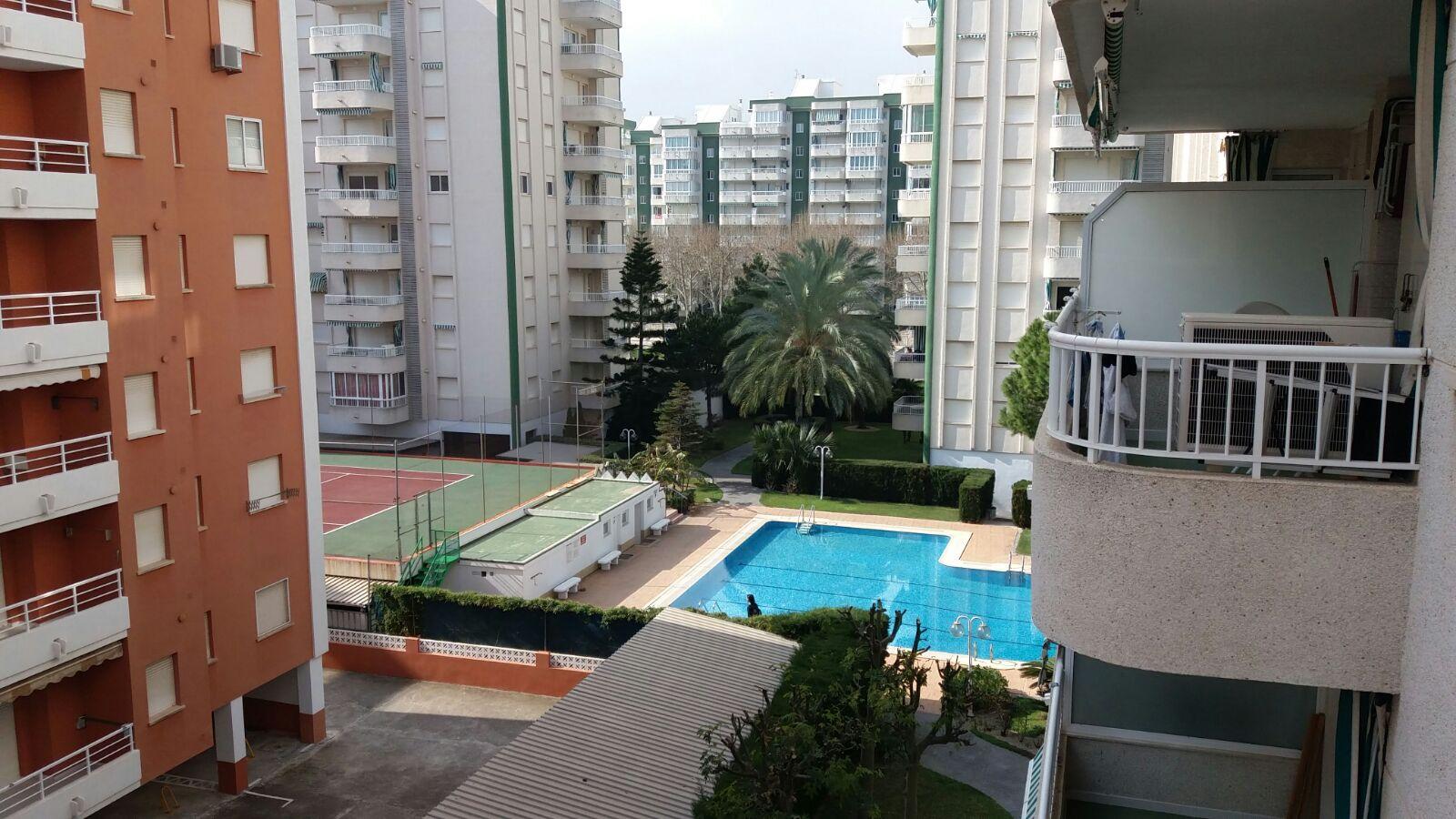 Alquiler de pisos en playa de - Apartamentos baratos playa vacaciones ...